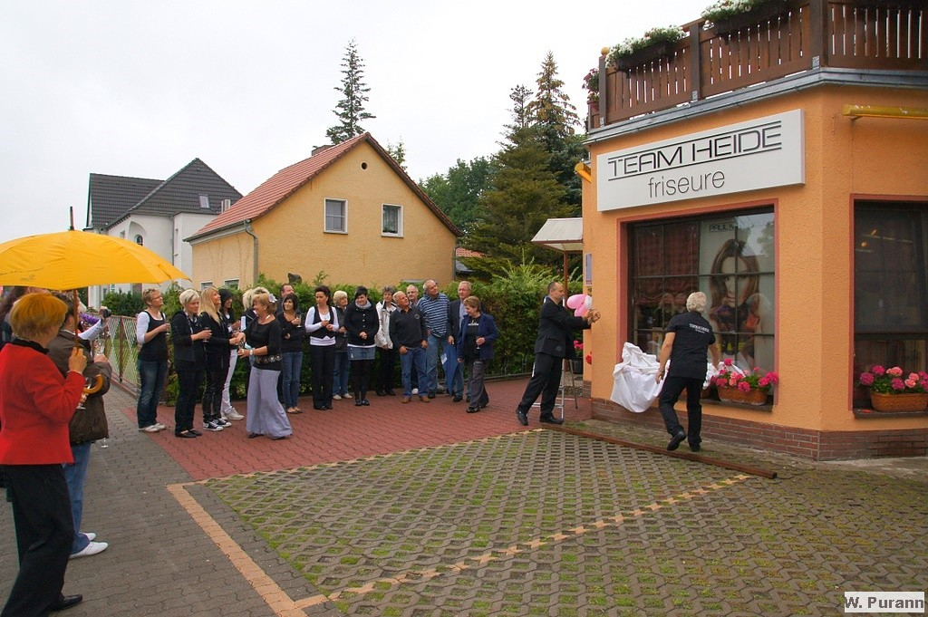 2 7 20 Jahre Friseursalon Heide